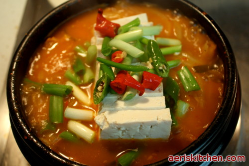 Korean Cooking Kimchi jjigae (kimchi stew) Recipe / World of ...